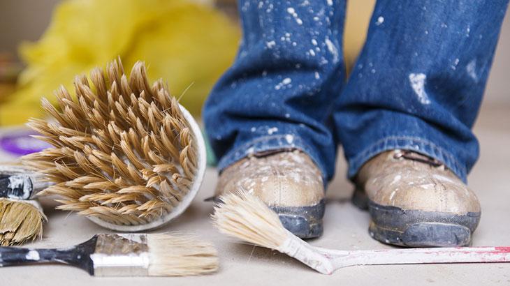 Как отстирать краску с одежды в домашних условиях