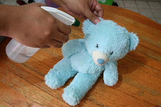 Как почистить мягкую игрушку которую нельзя стирать