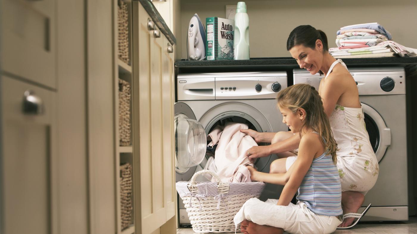 Как стирать постельное белье в машине: при какой температуре и в каком режиме