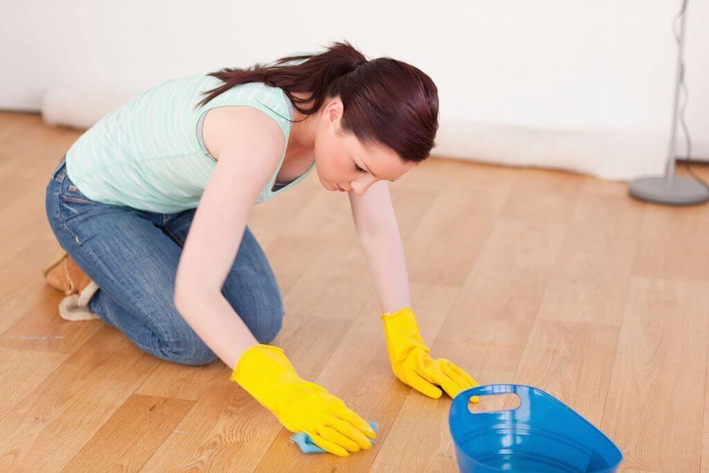 Как отмыть пятна на линолеуме