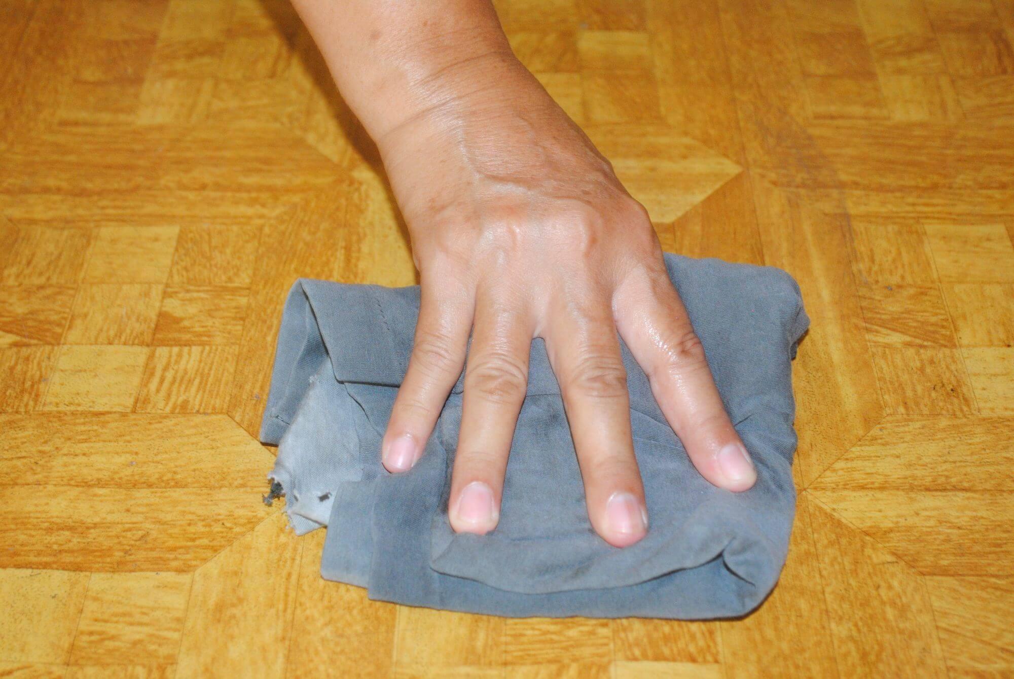 Как убрать пятно с линолеума