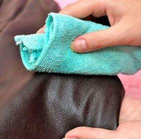 Как отстирать засаленные места на куртке: надежные простые способы