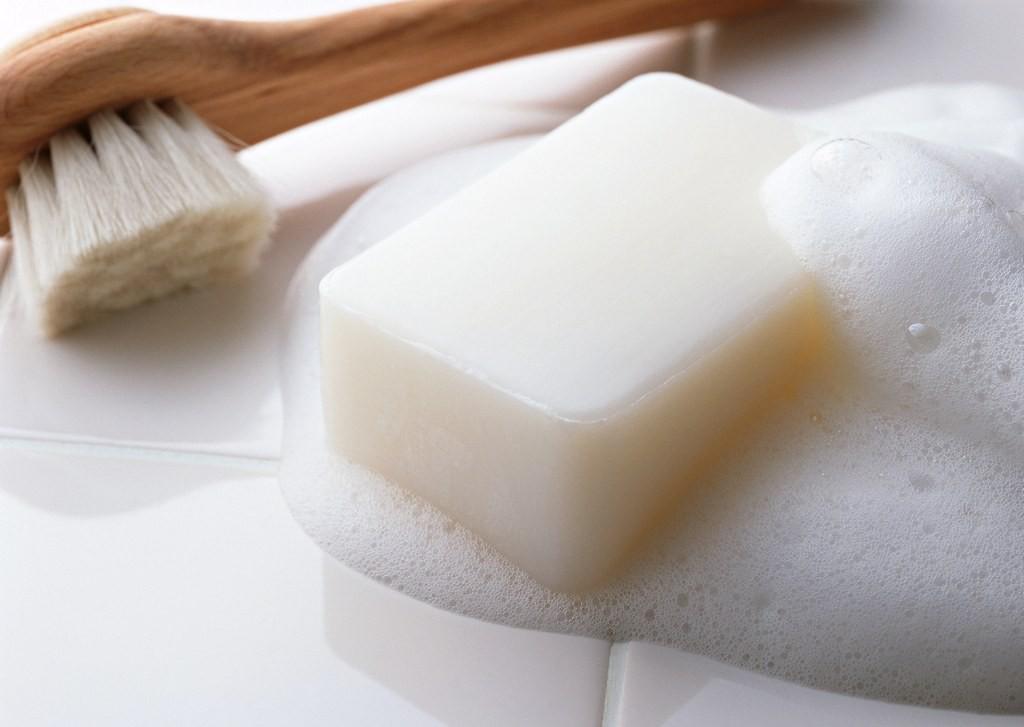 Избавляемся от жира с трикотажа с помощью мыла