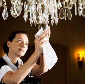 Как помыть хрустальную люстру с подвесками