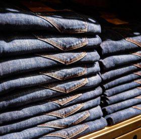 Как и чем правильно отстирать масло с джинсов: советы опытных специалистов
