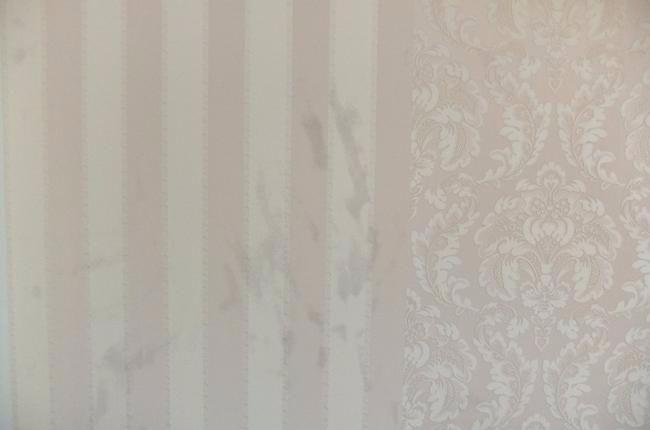 Как отмыть пятно на обоях