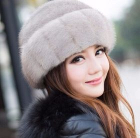Советы и рекомендации, как постирать вязаную норковую шапку правильно