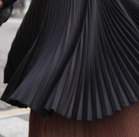 Как постирать плиссированную юбку или платье