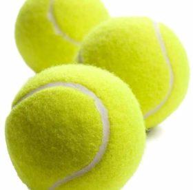 Секреты стирки пуховика: как использовать теннисные мячики