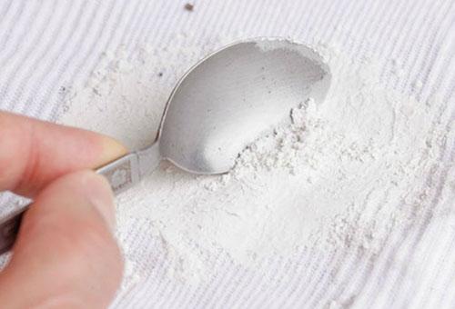 Удаление пятна кухонной солью
