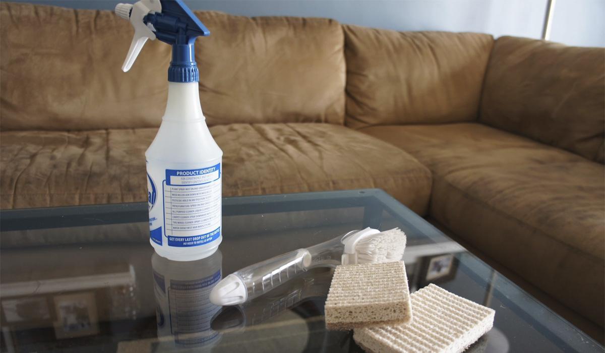 Средства бытовой химии для чистки дивана