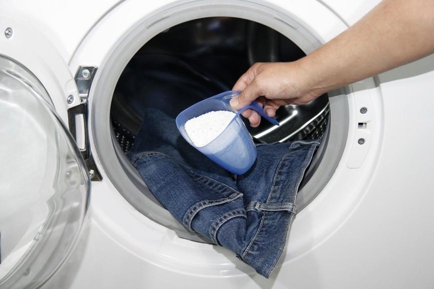 Как стирать линяющие вещи в стиральной машинке