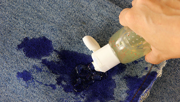 Как вывести чернила при помощи спиртосодержащих жидкостей?