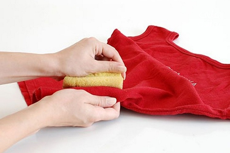 как вывести пятна масла с одежды