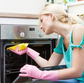 Грамотная и эффективная очистка духовки от загрязнений