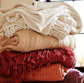 При какой температуре стирать шерстяной свитер – советы и рекомендации