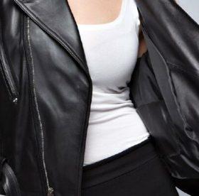 Хозяйке на заметку: как в домашних условиях погладить куртку из кожзама