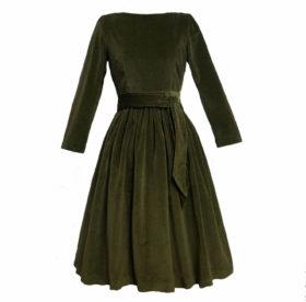 Как стирать бархатное платье и ухаживать за вещами